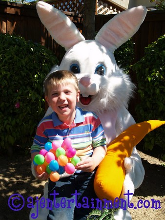 Photo with Easter Bunny Visits for Hire 925 625 4254